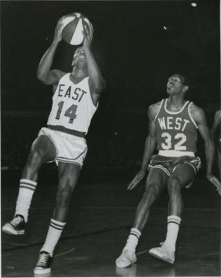 All-Star 67-68 East Larry Jones, Fred Lewis