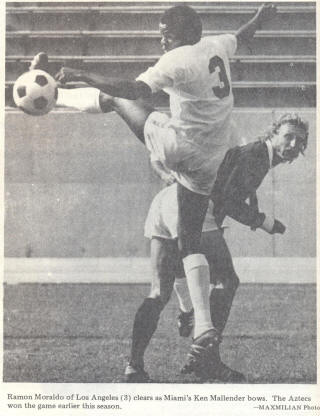 NASL Soccer Los Angeles Aztecs 74 Home Back Ramon Moraldo
