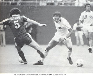 NASL Soccer New York Cosmos Blizzard 1979 Road Willie McVie Back Giorigo Chinaglia