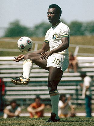 NASL Soccer New York Cosmos 1975-76 Home Pele Striped Sleeves (2)