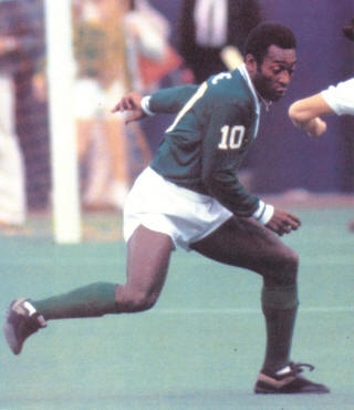 NASL Soccer New York Cosmos 77 Exhibition Pele (5)