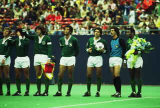 NASL Soccer New York Cosmos 77 Exhibition Roth, Alberto, Messing, Pele.jpg
