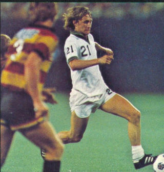 NASL Soccer New York Cosmos 77 Home Gary Etherington