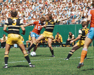 Chicago Sting at Minnesota Kicks 1978 Bruce Wilson, Ian Hamilton