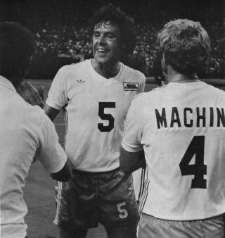 Sounders 77 Home Back Mel Machin, England