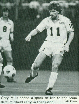 Seattle Sounders 1982 Home Gary Mills.jpg