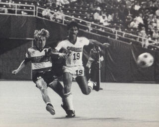 San Jose Earthquakes Minnesota Strikers 1984 Road Gary Etherington, George Kataklidis