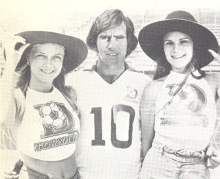 Dallas Tornado 1976 Home Jeff Bourne with Ladies.jpg